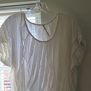 💗Andrea white ruffle blouse with cap sleeves.